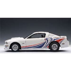 FORD MUSTANG COBRA JET 2009   WHITE WITH LIVERY in 118