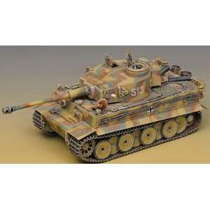 Academy 1/35 German Tiger I Tank Kit   Early Version Toys