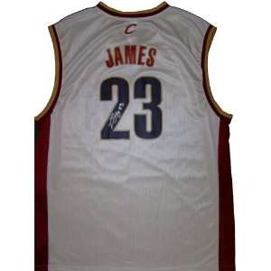 Lebron James Autographed Jersey   Replica  Sports