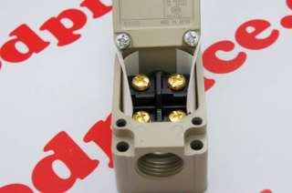 Omron Limit Switch WLCA2 2 Q WLCA22Q Roller lever NIB
