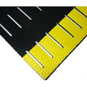 Wearwell PVC 475 KushionWalk Medium Duty Anti Fatigue Mat, Slotted